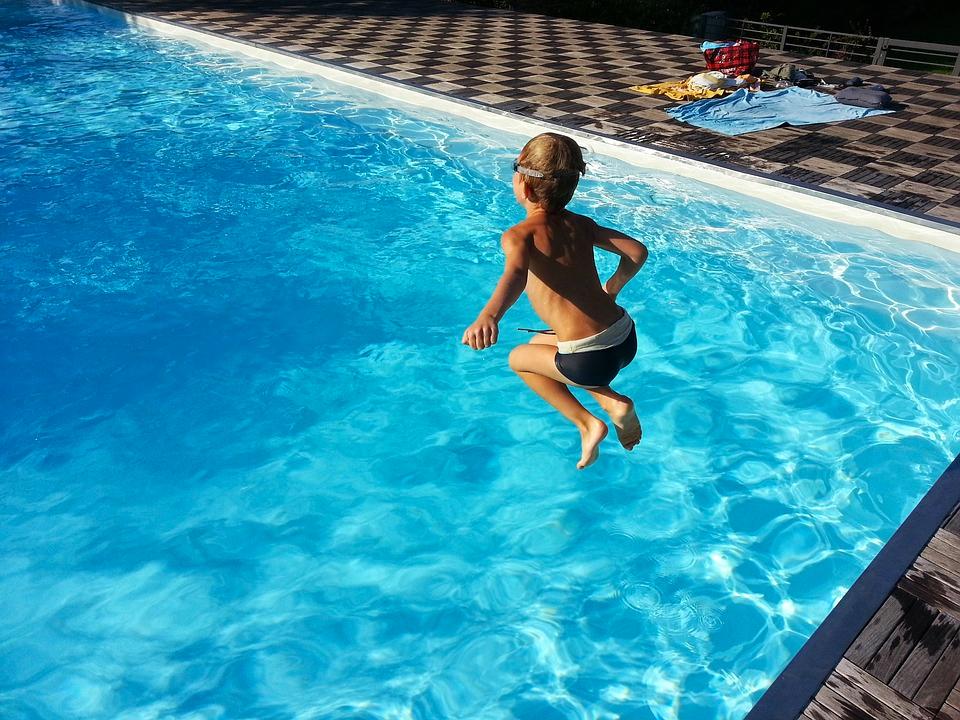 quel modèle pour votre piscine extérieure ?
