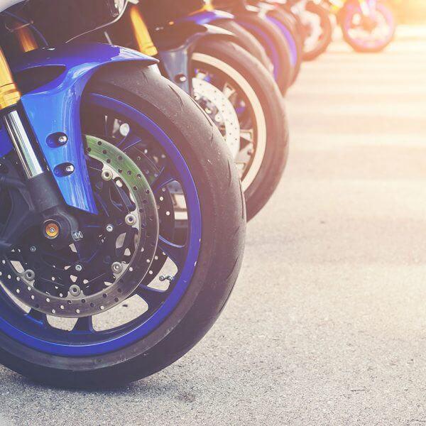 pourquoi choisir un service de taxi moto pour aller à orly sud et orly ouest ?