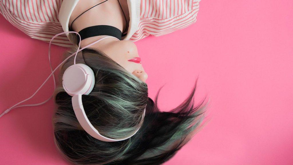 les avantages des écouteurs par rapport aux casques
